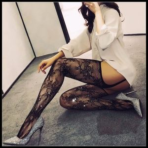 ❤️NEW Sexy Bling Fishnet Floral Stockings #D19